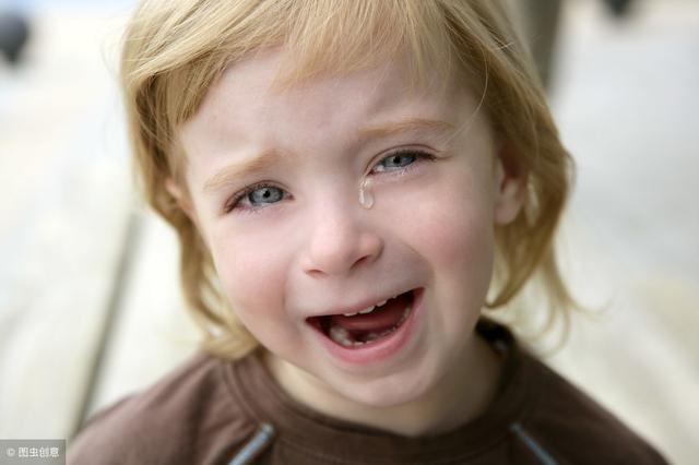 父母情绪管理:你对孩子的态度,就是孩子看世界的角度!